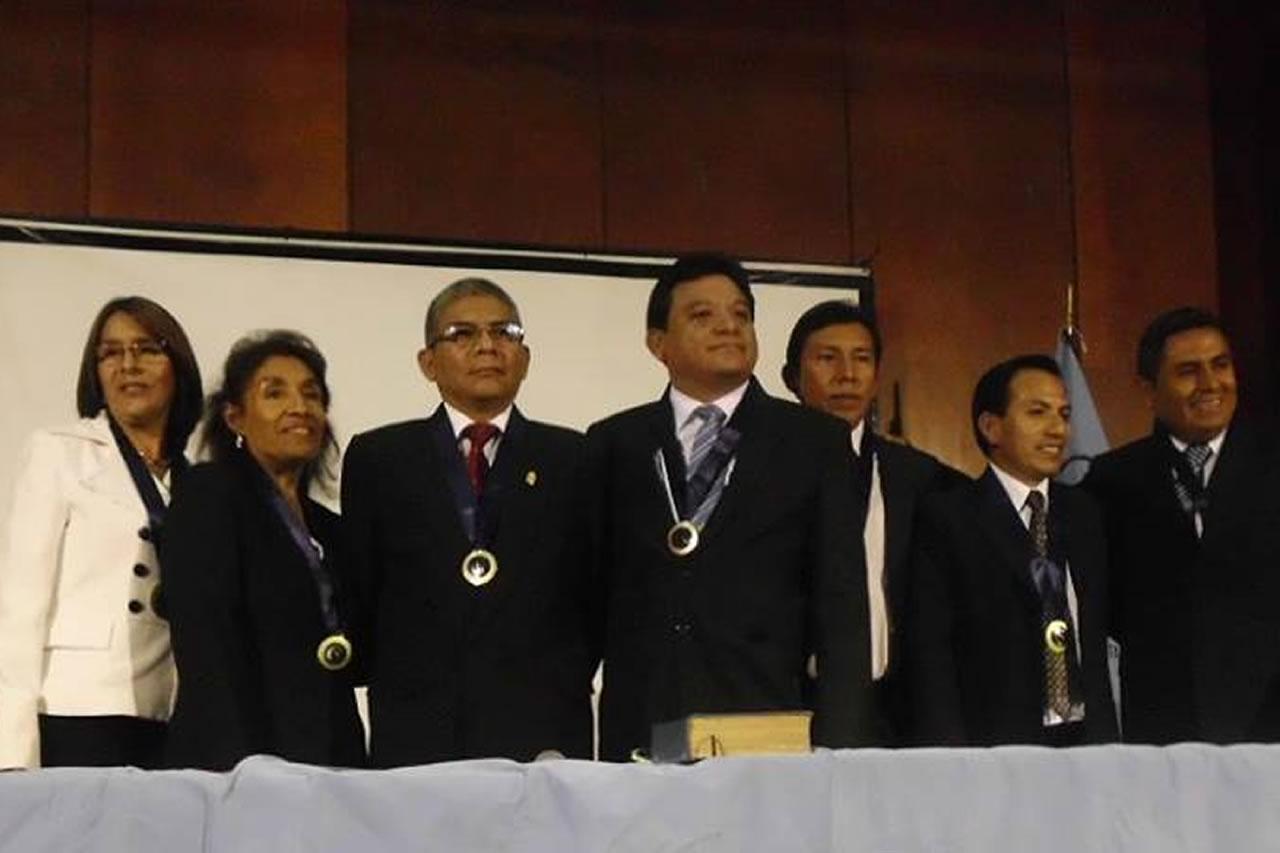 ¿Quiénes Somos? - Colegio Regional de Profesores de Lima Metropolitana